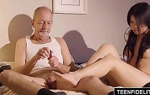 TEENFIDELITY Cindy Starfall Fucks Apropos Front of Old Man