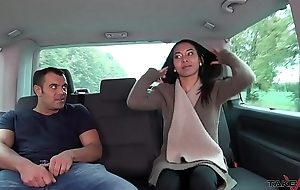 Thai massage in activating car turns close to wanton hardcore fuck