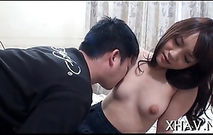 Oriental doxy gets down with dildo