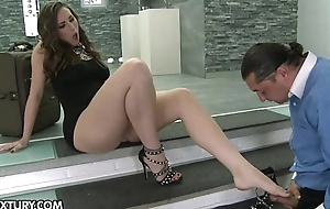 Paige Turnah - Foot Femme Fatale