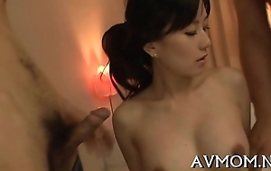 Pretty materfamilias can't live without her mouth on rod