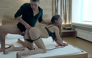 Gorgeous suntanned nigh a muddler body gets screwed in the ass