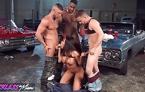 Nasty lalin girl pleasuring 3 horny studhorses in the garage